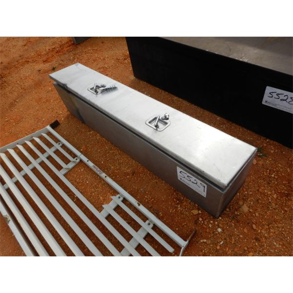 (1) aluminum equipment box
