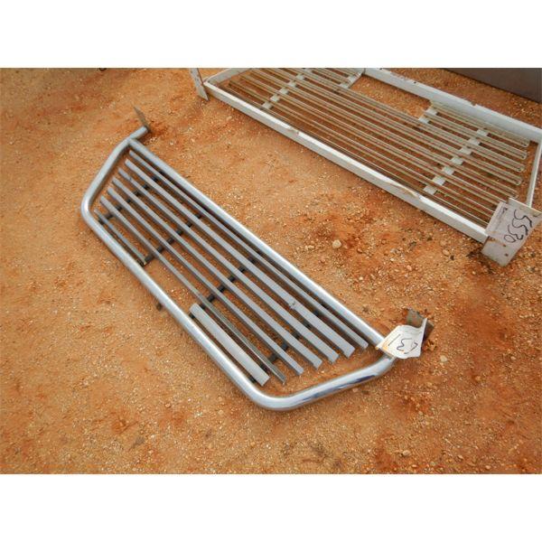(1) aluminum headache rack for pick up