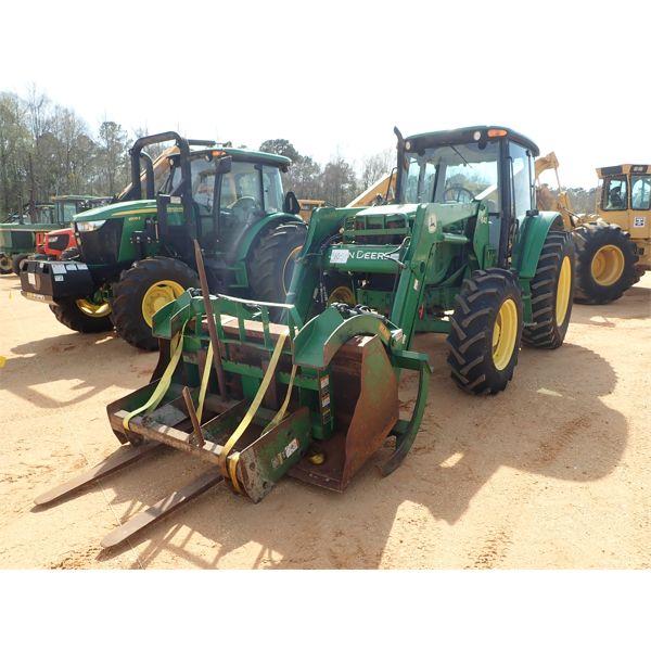 2004 JOHN DEERE 6415 Farm Tractor