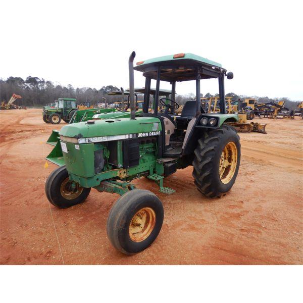1991 JOHN DEERE 2355 Farm Tractor