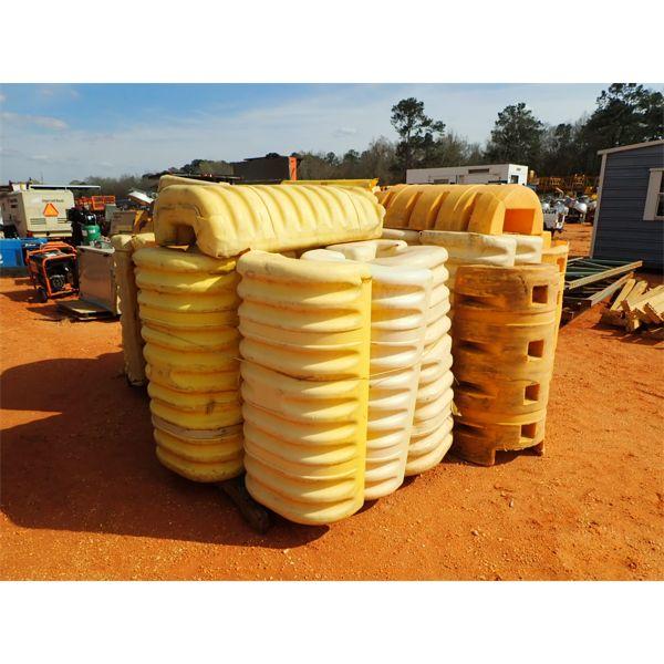 (2) pallets column protectors