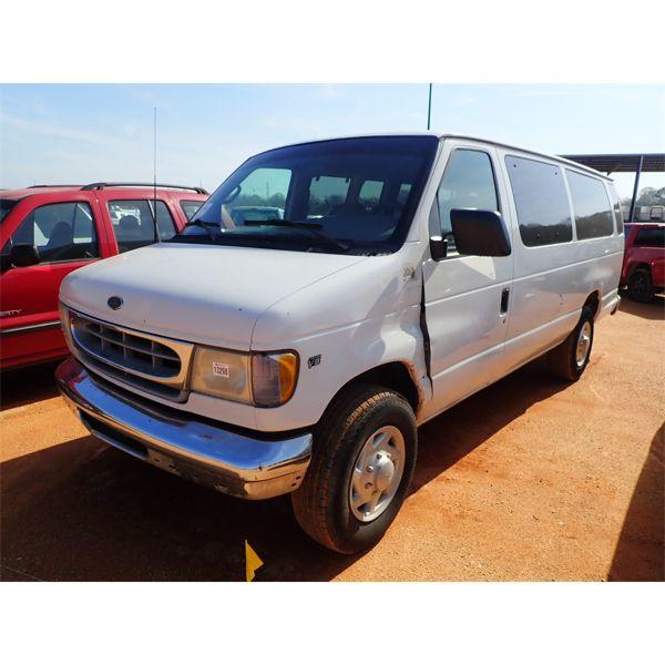 2002 FORD E350 Passenger Van