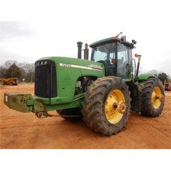 2003 JOHN DEERE 9520 Scraper Tractor