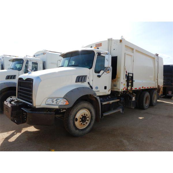 2016 MACK GU533 Garbage / Sanitation Truck