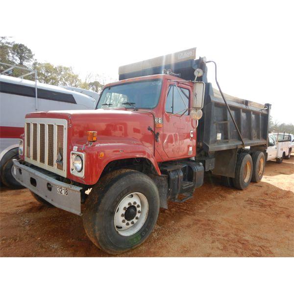 2002 INTERNATIONAL 2574 Dump Truck