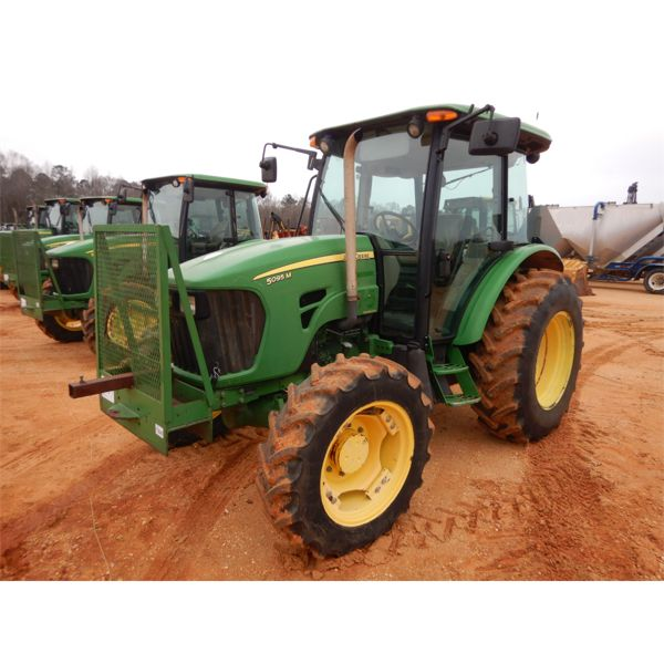 2009 JOHN DEERE 5095M Farm Tractor
