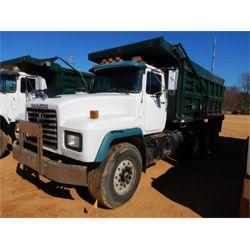 1999 MACK RD690S Dump Truck