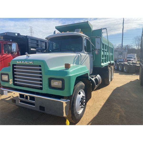 2001 MACK RD688S Dump Truck