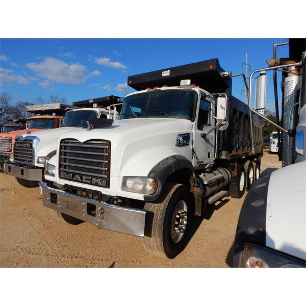 2009 MACK GU713 Dump Truck