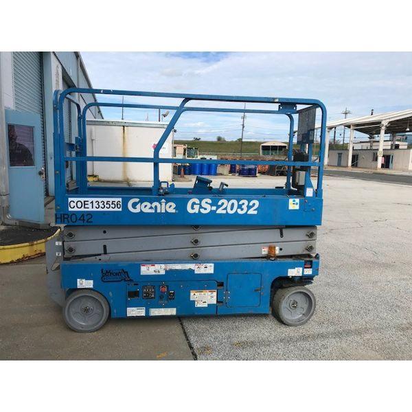 GENIE GS-2032 SCISSOR LIFT Aerial Work Platform