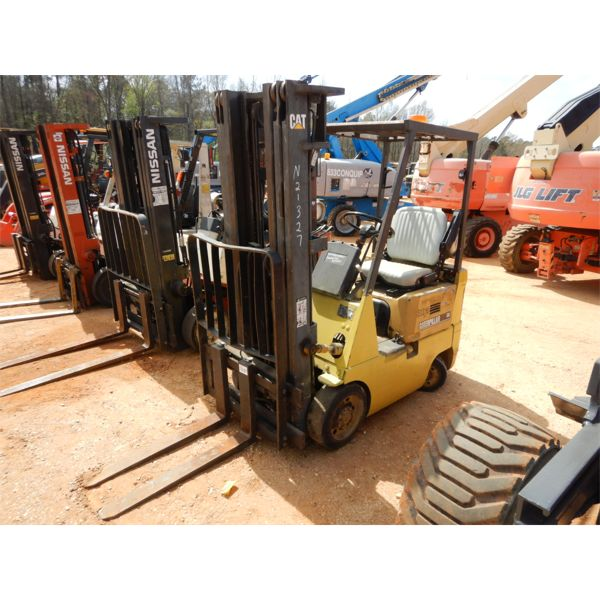 Cat GC15 Forklift - Mast