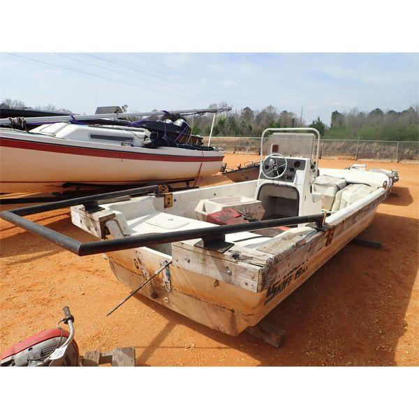 2003 CAROLINA SKIFF DLX19 Boat