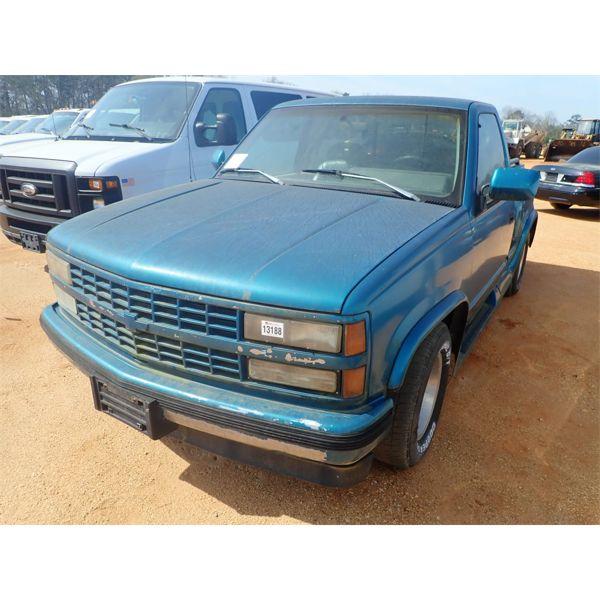 1993 CHEVROLET SILVERADO Pickup Truck