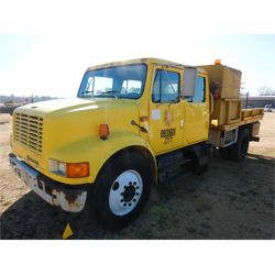 1993 INTERNATIONAL 4700 Flatbed Truck