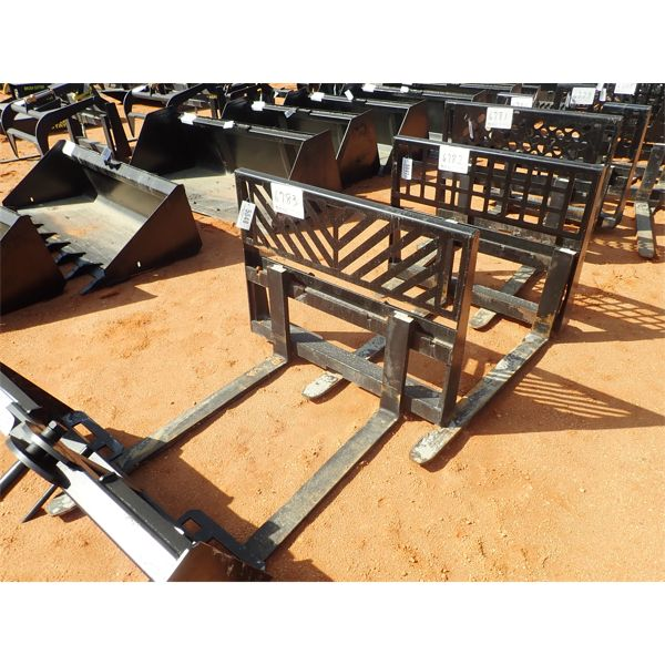 Fork attach, fits skid steer loader