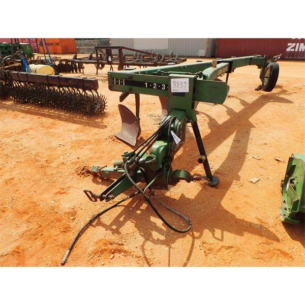 JOHN DEERE  (5) row bottom plow