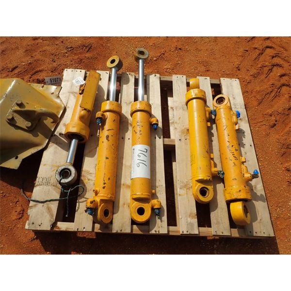 (5) 3 Cat hyd cylinder