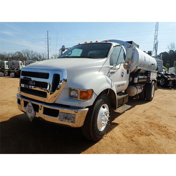 2010 FORD F750 Asphalt Distributor Truck