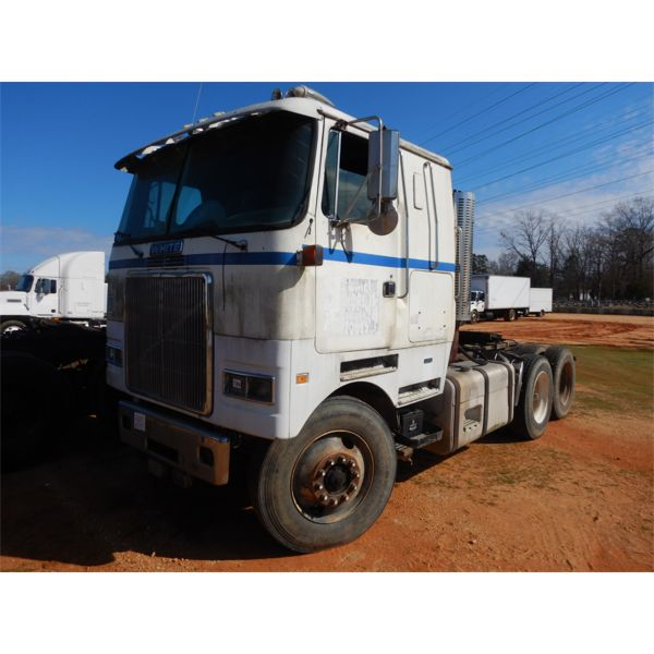 1984 VOLVO WHITE WHL641T Day Cab Truck