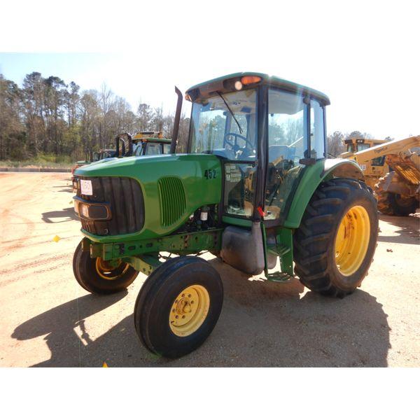 2006 JOHN DEERE 6415 Farm Tractor