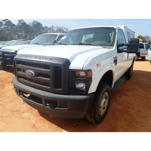 2009 FORD F250 XL Pickup Truck