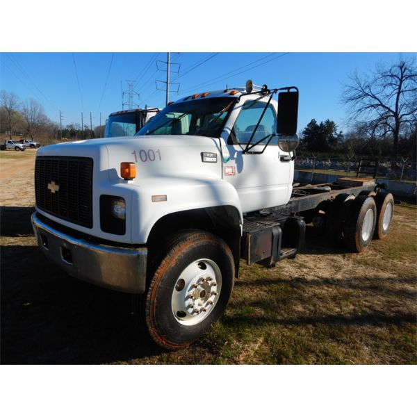 1997 CHEVROLET C8500 Cab and Chassis Truck