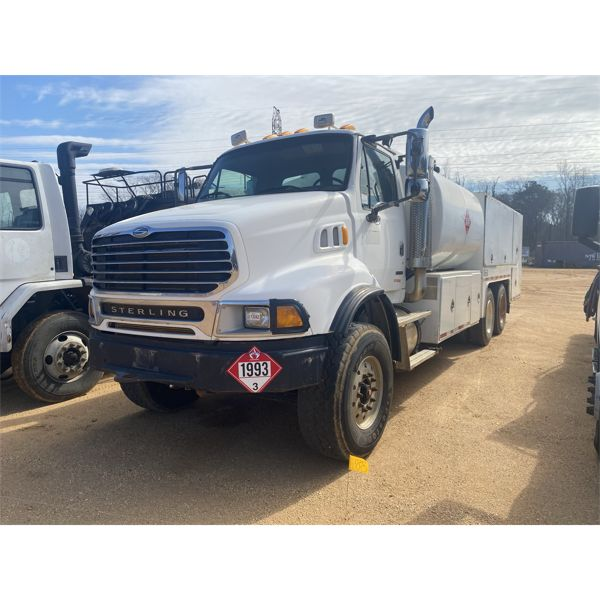 2007 STERLING  Fuel / Lube Truck
