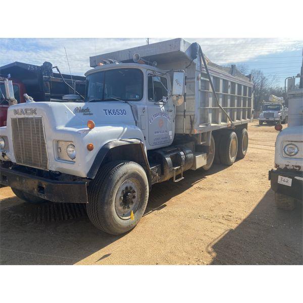 1988 MACK RD688S Dump Truck
