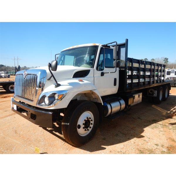 2017 INTERNATIONAL 7400 Flatbed Truck