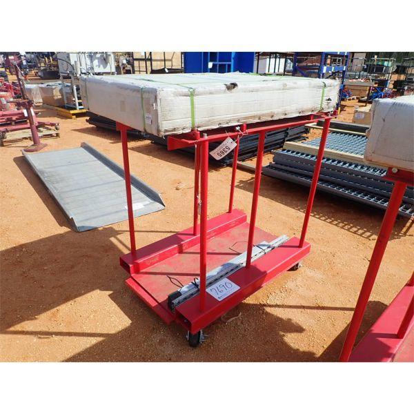 GLOBAL INDUSTRIAL 270219C forklift table, 8 cylinder storage caddy