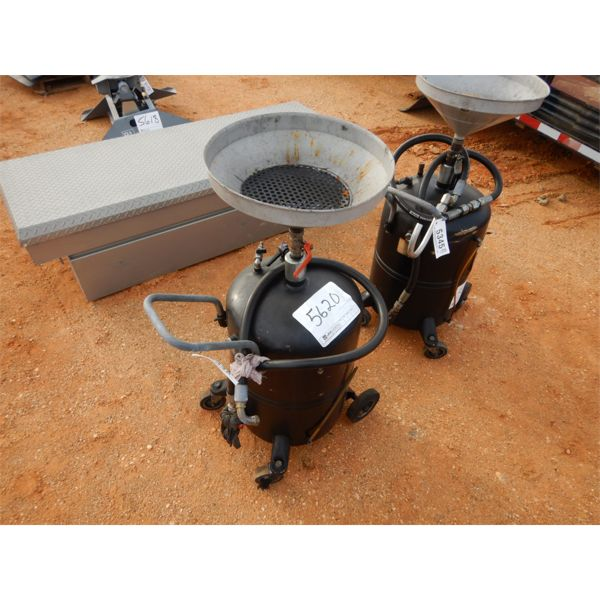 Vehicle oil changing tank