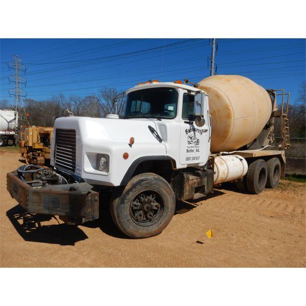 1998 MACK DM690S Concrete Mixer / Pump Truck