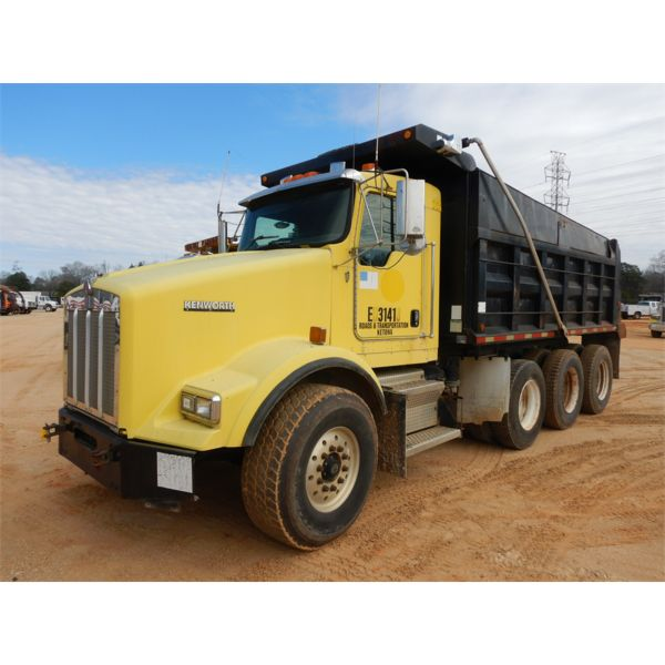 2003 KENWORTH T800 Dump Truck