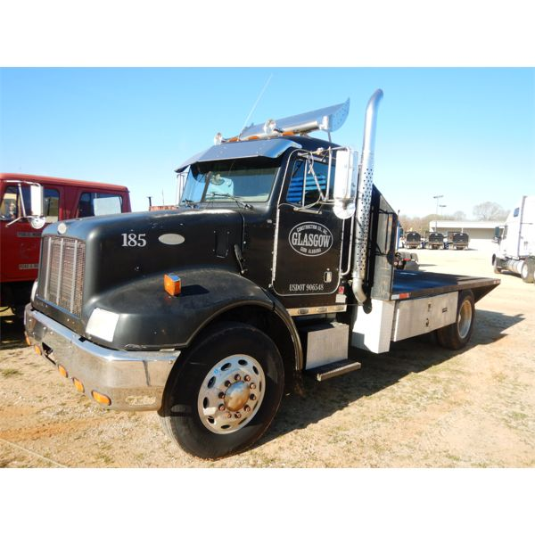1997 PETERBILT 330 Flatbed Truck