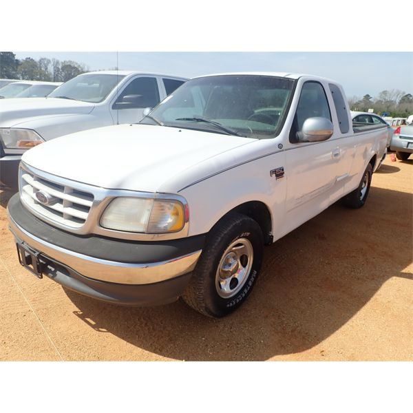 1999 FORD F150 XL Pickup Truck