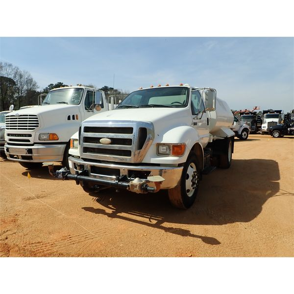 2008 FORD F750 Water Truck