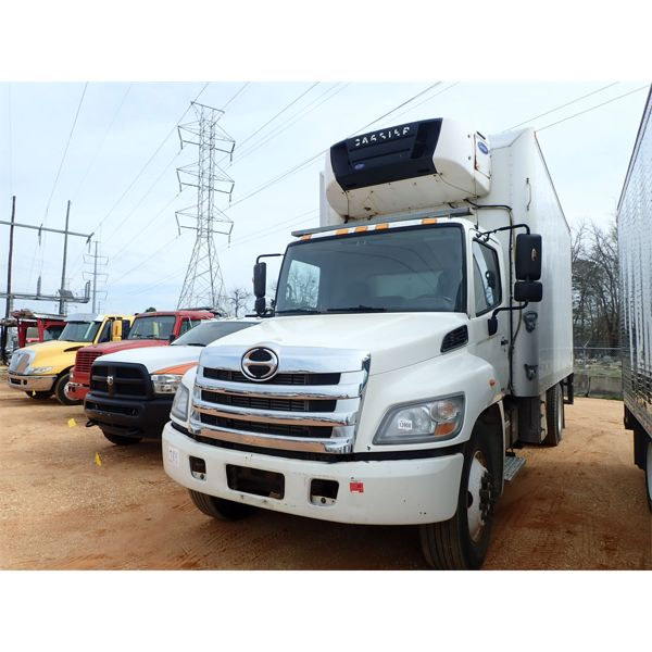 2014 HINO 268 Reefer / Refrigerated Truck