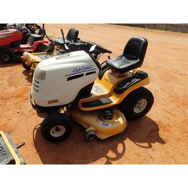 CUB CADET LT1050 Lawn Mower