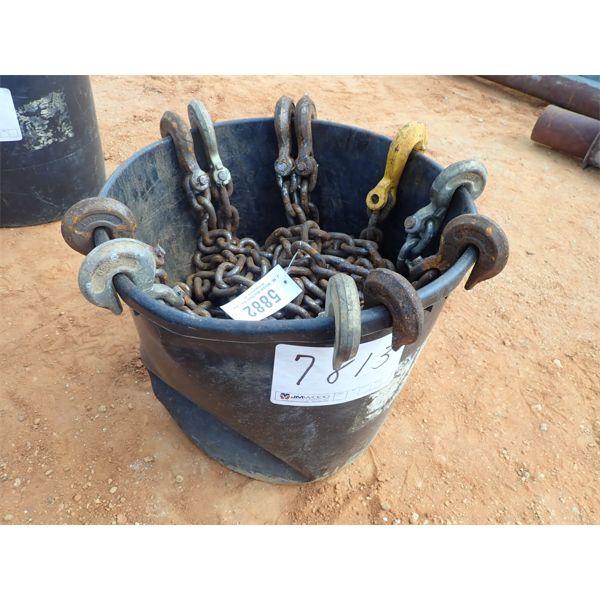 (1) tub of chain hooks