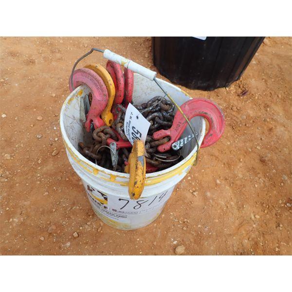 (1) bucket of chain w/hooks