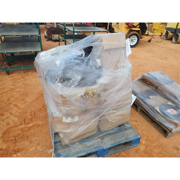 (1) pallet medical gowns