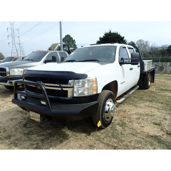 2012 CHEVROLET 3500 HD Flatbed Truck