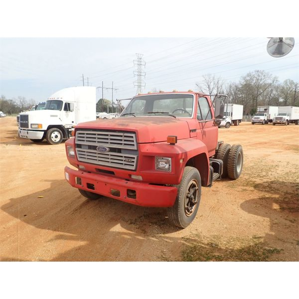 1987 FORD F800 Day Cab Truck