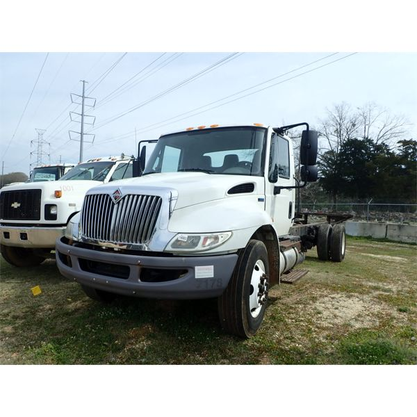 2012 INTERNATIONAL DURASTAR 4300 Cab and Chassis Truck