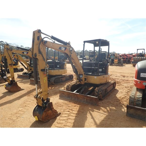 2015 CAT 303.5E2 CR Excavator - Mini