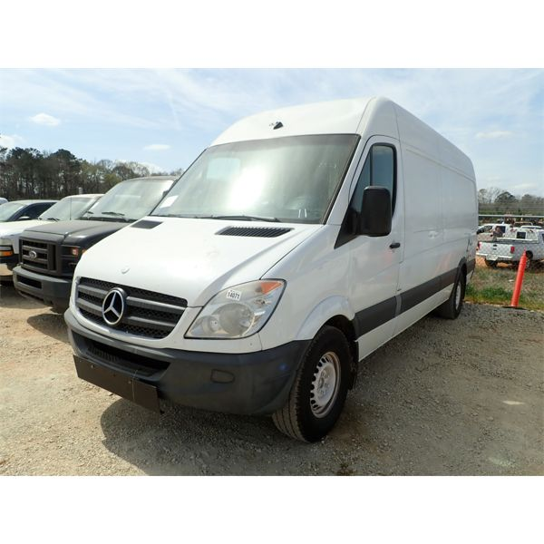 2011 MERCEDES E450 Cargo Van
