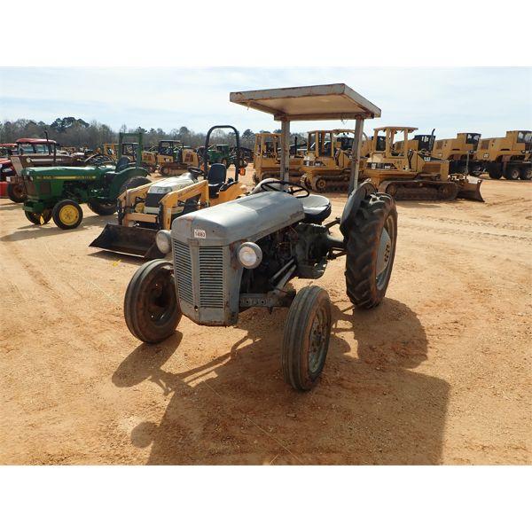 FERGUSON 30 Farm Tractor