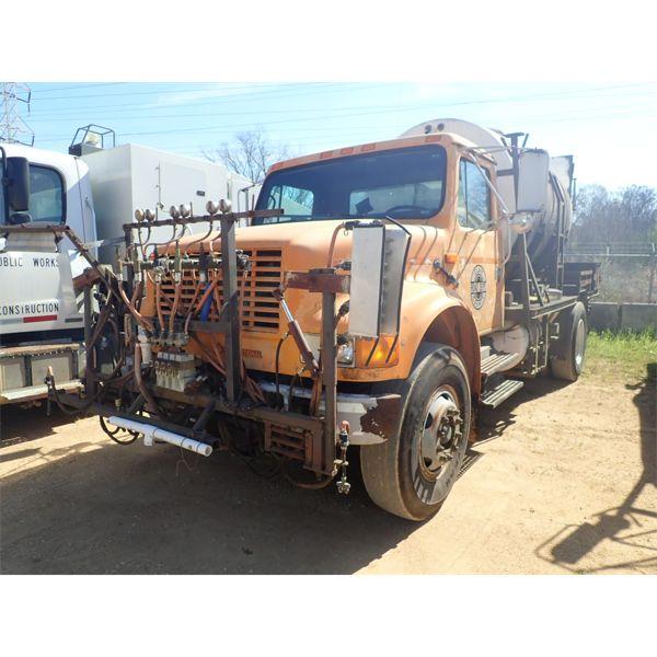 1991 INTERNATIONAL 4900 Sprayer Truck