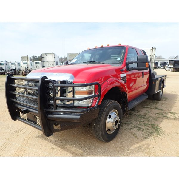 2010 FORD F450 Flatbed Truck
