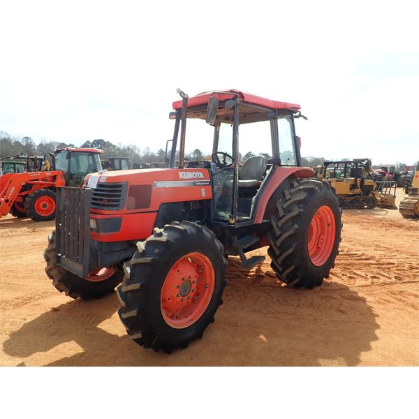 KUBOTA M9000 Farm Tractor